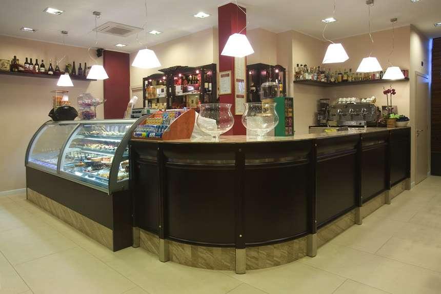 Bar classic arredamento bar food arredo negozi for Negozi sedie ufficio roma