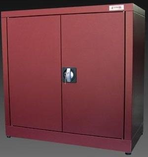 Armadi zincoplastificati porta scope armadi da esterno for Armadi per esterni